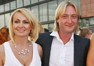Яна Рудковская и Евгений Плющенко крестили сына