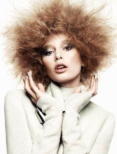 Электризуются волосы? Причины и решения